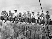 lunch-atop-skyscraper-new-york-construction-workers-crossbeam
